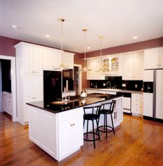 No matter what your style, Master Plan Builders has a design for you! Contact us today to learn how to custom design the perfect kitchen for your family's needs.