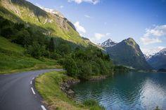 2500 kilometer og tre uker har det tatt å gjøre en skikkelig rundreise i Sør-Norge. Og for en opplevelse! Jeg føler jeg har oppdaget landet mitt på nytt! Sammen med kjæresten min la vi ut på tur i Kenneths noe rustne Mercedes. Heldigvis gikk den som ei klokke hele veien og tok oss både høyt …