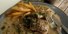 Easy recipe for Steak Diane Creamed Mushrooms, Stuffed Mushrooms, Mushroom Sauce, Steak Recipes, The Dish, Asian Recipes, Easy Meals, Tasty, Beef