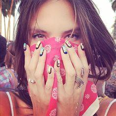 Nail art was still a big trend – Alessandra Ambrosio got a Coachella mani for the festival! A little high maintenance for us… Alessandra Ambrosio, Coachella 2014, Coachella Looks, Coachella Style, Festival Hair, Festival Fashion, Festival Style, Beyonce Show, Frida Kahlo