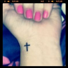 wrist tattoo - I want this now!