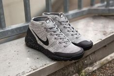 Infos     Nike Flyknit Trainer Chukka FSB 'Charcoal'   Style code : 625009-001 Color : Light Charcoal/Black-So #Sneakers Roupas Tumblr Masculinas, Sapatilhas, Nike Flyknit Trainer