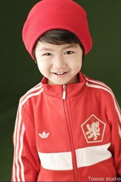 Eom Ji-seong (엄지성)