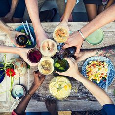 Going vegan for your party doesn't mean it has to be boring. Use this guide to throw a successful and tasty vegan-themed dinner. Organic Recipes, Ethnic Recipes, Dinner Party Menu, Dinner Parties, Dinner Ideas, Restaurant Recipes, Restaurant Week, Restaurant Design, Ayurveda