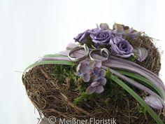 Ringkissen - Ringkissen Herz in lila - ein Designerstück von Meissner-Floristik bei DaWanda