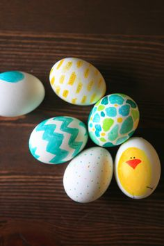 try decorating your easter eggs with sharpies quick and easy