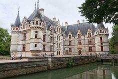 Chateau d'Azay-le-rideau, 1518 1527  similaire aux chateaux de Chambord et de Chenonceau