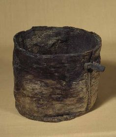 Foreign drinking bowls. In the Egtved Girl's coffin a bark bucket containing an alcoholic drink sweetened by honey was found. Beer has now been produced with this recipe. Bronze age, special brew, Denmark.