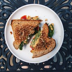 Green Cleaning, Red Peppers, Avocado Toast, Stuffed Peppers, Bread, Cheese, Vegan, Breakfast, Recipes