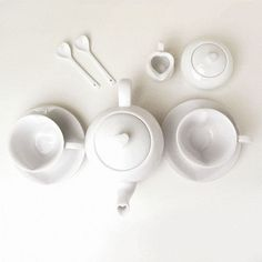 fieldguided:libraries:{ simplesong }: heart tea pot set