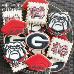 Catherine has Georgia on her mind.  #materdei #uga #acookieaddict Georgia, Cookies, Desserts, Food, Tailgate Desserts, Biscuits, Deserts, Essen, Dessert