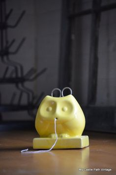 Vintage owl string holder with scissors Pinned by www.myowlbarn.com