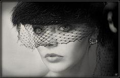 Люблю дождь... в нем можно спрятать свои слезы... Люблю свою жизнь... другой такой у меня не будет... Люблю близких мне людей, со всеми их минусами и ..http://www.odnoklassniki.ru/pishemiob