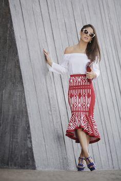 camila coelho summer geometric print skirt look