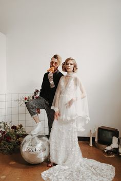 The Coolest Cool-Girl Bride Vibes with Retro + Vintage Details featured designers watters , made with love , rose+williams , theia Bridal Shoot, Wedding Shoot, Wedding Day, Wedding Dresses, 1970s Wedding Dress, Costumes Assortis, Pizza Wedding, Dresses Elegant, Nontraditional Wedding