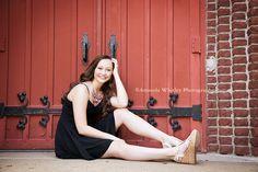 Senior girl poses | Amanda Whitley Photography