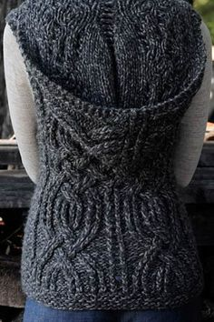 Free pattern. Love this hood for a scarf attached to it