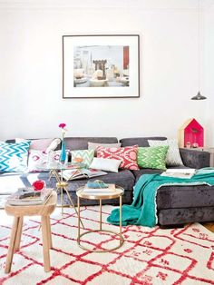 Cute little shoes add styling fun to bright boho home's decor - living room 3