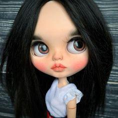 Ooak Dolls, Blythe Dolls, Art Dolls, Cute Cartoon Pictures, Cute Cartoon Girl, Funny Iphone Wallpaper, Disney Phone Wallpaper, Pretty Dolls, Beautiful Dolls