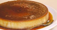 Creme caramel is a great holiday dessert, light and smooth it gives you a hint of sweetness that you crave. Greek Sweets, Greek Desserts, Party Desserts, Dessert Party, Easy Smoothie Recipes, Snack Recipes, Dessert Recipes, Party Recipes, Creme Caramel