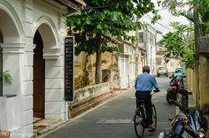 narrow streets of Galle, Sri Lanka (www.secretlanka.com)