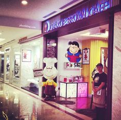 the charlie brown cafe