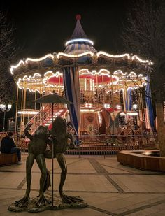 #timisoara #carousel #lights Bid Day, Carousel, Light Up, Aesthetics, Fair Grounds, Architecture, Live, Photography, Travel