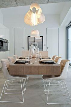Holz rustikal Haus einrichten modern stilvoll Stühle