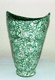 Gorka vase with bark like surface Ceramic Art, Folk, Art Deco, Surface, Pottery, Vase, Shapes, Artwork, Design