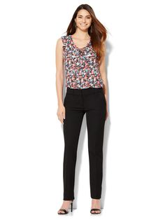 Capri Pants, Runway, Slim, Model, Fashion, Cat Walk, Moda, Capri Trousers, Walkway
