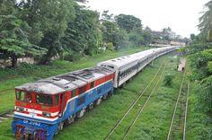 Estrada de Ferro Myanmar, em Nyepi -  Indonésia