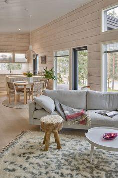 Home Room Design, Home Interior Design, Log Home Living, Cabin Interiors, Cabin Design, Scandinavian Home, Minimalist Home, Log Homes, House Rooms
