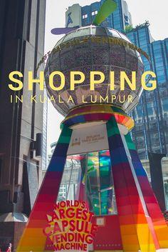 Kuala Lumpur ist eine der besten Städte für einen Shoppingtrip.  In der Stadt trifft Ost auf West und man bekommt das beste aus beiden Welten. Bonus: Alles ist ein bisschen günstiger als in Deutschland. #reisen #malaysia