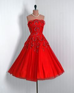 vintage red clothing : Swing Fashionista
