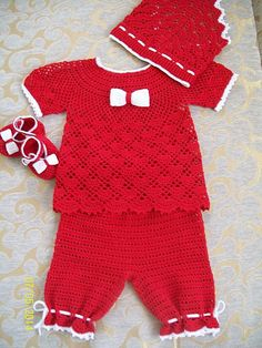 Crochet Girls, Crochet Baby Clothes, Knit Crochet, Two Piece Outfit, Baby Knitting Patterns, Cool Baby Stuff, Knit Dress, Rompers, Baby Set
