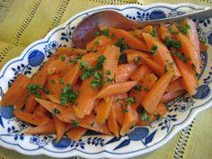 Das perfekte Karottengemüse...-Rezept mit Bild und einfacher Schritt-für-Schritt-Anleitung: Die Möhren schälen und längs halbieren, wenn sie sehr dick…