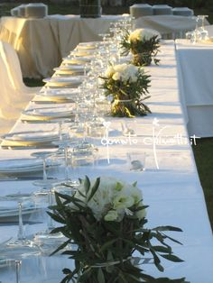 #Centrotavola #Eventi #FlowerDesign #Fiori #MatrimonioInPuglia #MatrimonioInMasseria #MatrimonioInTenuta #DonatoChiriatti Wedding Centerpieces, Wedding Decorations, Table Decorations, Olive Branch Wedding, Wedding Ceremony, Wedding Day, Olive Tree, Unique Weddings, Flowers