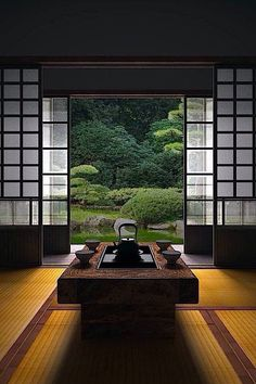 How To Add Japanese Style To Your Home Japanese room, Washitsu 和室 clean lines, simplicity and symmetrical balance Japan Design, Washitsu, Symmetrical Balance, Japanese Tea House, Traditional Japanese House, Japanese Gardens, Japanese Tea Table, Japanese Sofa, Traditional Homes