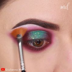 aesthetic makeup videos Stunning glitter halo eye look! By: giuliannaa Eye Makeup Tips, Diy Makeup, Makeup Videos, Makeup Trends, Makeup Inspo, Beauty Makeup, Bold Eye Makeup, Bridal Eye Makeup, Smoky Eye Makeup