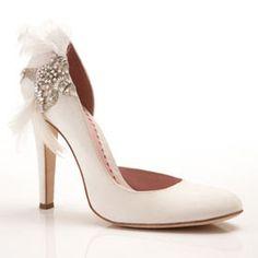http://knotsandkisses.blogspot.com.au/2011/05/gorgeous-vintage-style-wedding-shoes.html