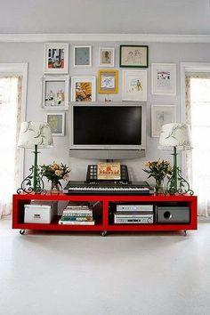 Bom dia fiorellini, tudo bem ai ?  o post de hoje è mais para mi do que para vocês rs  estou querendo ideias para decorar a parede da TV,...