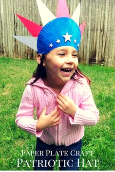 Easy Fourth of July Craft: Paper Plate Patriotic Hat! Paper Plate Patriotic Hat Craft http://www.tutusteaparties.com/2014/05/paper-plate-craft-4th-of-july-hat.html
