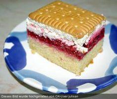 Himbeerschnitten by manu75447 on www.rezeptwelt.de German Bakery, German Christmas Cookies, Cake & Co, How Sweet Eats, Tiramisu, Vanilla Cake, Raspberry, Goodies, Food And Drink