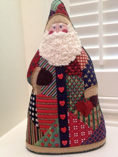 steph's stitching: Patchwork Santa - Needlepoint not cross stitch, but so beautiful. Needlepoint Designs, Needlepoint Stitches, Needlework, Christmas Sewing, Christmas Embroidery, Christmas Cross, Christmas Time, Christmas Ideas, Santa Cross Stitch