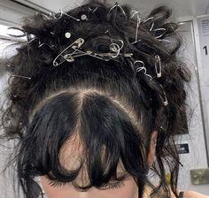 Short Grunge Hair, 90s Grunge Hair, Hairstyles With Bangs, Pretty Hairstyles, Hair Inspo, Hair Inspiration, Mode Hippie, Aesthetic Hair, Aesthetic Grunge