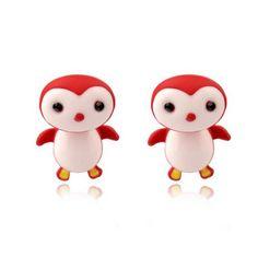 Lille rød pingvin, 49 kr. Se vores mange sjove øreringe af plexiglas, eller smykkeler. http://uglenimosen.dk/produkter/71-sjove-oereringe/