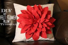 Just Between Friends: DIY Felt Pillow Tutorial #nosew #diy #pillow