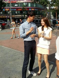 Lim Ju Hwan Kang Sora, Lim Ju Hwan dating, Lim Ju Hwan girlfriend, Lim Ju Hwan Kang Sora kiss are popular search term on this blog. Make me think, are they ship-ing Ugly Alert couple, in this parti…