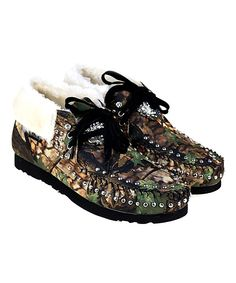 Camo Studded Suede Moccasin. . ...  Montana West. . ...  $29.99 $69.99  .( SIZE  CHART )  .https://www.zulily.com/b5253c37-453d-4353-b3e6-1963297f88bd    . 	 	 :  6  . 7  . 8  . : Product Description:  Slip your feet into cushy comfort with this cozy faux fur lined suede moccasin adorned with a charming camo print and shining studs.      Suede upper  .     Faux fur lining  .     Rubber sole  .     Imported