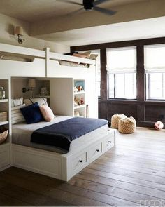 Bunk Room, I found this in Elle Decor. What a fun idea, Mom and Dad can have the same bed and the little ones can be in the cool bunk beds. Home Bedroom, Kids Bedroom, Bedroom Decor, Lofted Bedroom, Master Bedroom, Elle Decor, Built In Bed, Built Ins, Bunk Rooms